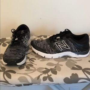 Women's New Balance size 10 heel pillow sneakers
